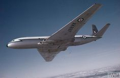 Out of ammunition, God save The King. — De Havilland Comet (XK of 51 Squadron RAF Air Force Aircraft, Ww2 Aircraft, Military Jets, Military Aircraft, De Havilland Comet, South African Air Force, Experimental Aircraft, Commercial Aircraft, Civil Aviation