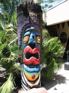 Large painted tiki in the courtyard at Kon Tiki Lounge in Tucson