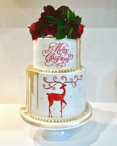 Hand painted Christmas gold drip cake Gold Drip, Hand Painted Cakes, Drip Cakes, Gold Christmas, Cake Decorating, Desserts, Groom, Food Cakes, Tailgate Desserts