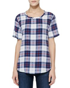 7 Post-Grunge Plaid Outfits With Jeans That Actually Look Stylish Now: Dark Wash Jeans and Plaid Tee-Shirt