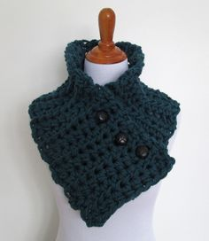 Free #crochet pattern for men's cowl that buttons many different ways @speckless