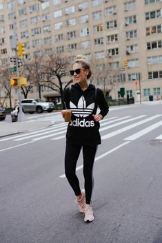 Cute athleisure outfit woman& fashion casual, woman& fashion for work,. Athleisure Trend, Athleisure Fashion, Athleisure Outfits, Sporty Outfits, Athletic Outfits, Fall Outfits, Athletic Clothes, Sport Fashion, Fitness Fashion
