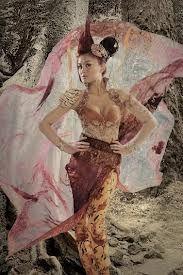 Agnezmo wth Batik