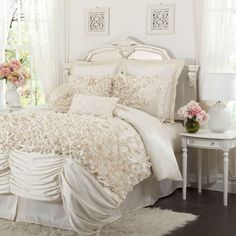 So pretty and | http://bedroom-gallery2.blogspot.com