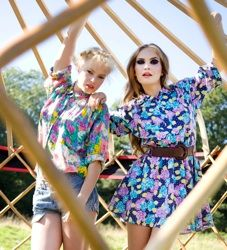 Editorial shoot outdoors #TwoModels #yurtstructure #modelstentstructure #strongeyemakeup #festivalPhotoshootconcept