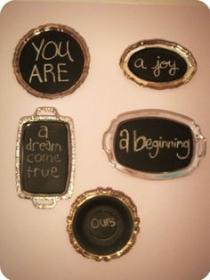A DIY project: thrift store silver plated trays with a coat of chalkboard paint. Not a bad idea. maybe not a whole wall, but one on a stand on side table would be super cute! Guests could use it to write fun messages:) Chalkboard Wall Art, Vintage Chalkboard, Chalkboard Writing, Silver Platters, Silver Trays, Dollar Store Crafts, Fall Diy, Paint Party, Diy Wall Art