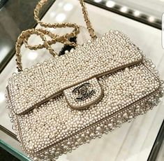 A Chanel handbag is anticipated to get trendy. Trend has a fantastic impact on us all specially on those well off. So how could you get a Chanel handbag? Luxury Bags, Luxury Handbags, Luxury Gifts, Chanel Handbags, Purses And Handbags, Chanel Purse, Channel Bags Handbags, Ladies Handbags, Chanel Boy Bag