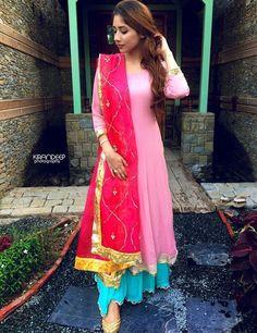 Pakistani Dresses, Indian Dresses, Indian Outfits, Designer Party Wear Dresses, Indian Designer Outfits, Party Dresses, Ethnic Fashion, Indian Fashion, Retro Fashion
