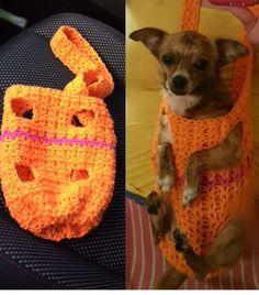 Crocheted forward facing dog sling by Bennie.