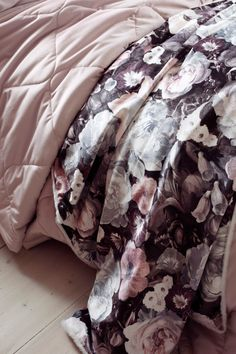Comforters, Blanket, Bed, Home Decor, Creature Comforts, Quilts, Decoration Home, Stream Bed, Room Decor