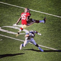 Community Post: The Best Vernon Davis Memes Of All Time 49ers Players, 49ers Fans, Football Players, Nfl 49ers, Best Football Team, National Football League, Nfl Football, Football Stuff, Football Things