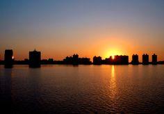 La puesta de sol en Punta-del-Este