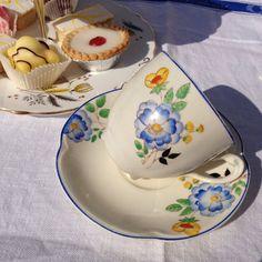 Taza de té Art Decó y el platillo de azul y amarillo establece Johnson hermanos…