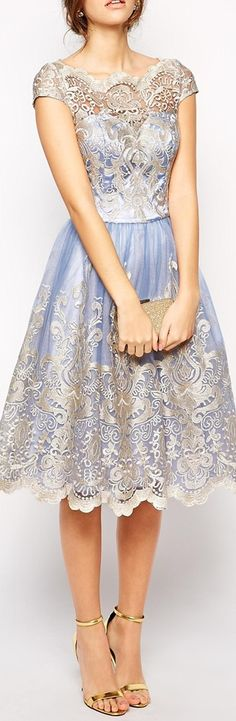 Beautiful.. i'd love to wear this dress *-*