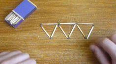 Veja aqui vários desafios matemáticos de lógica resolvidos. Neste, movendo apenas 3 palitos, você terá que fazer com que restem 5 triângulos com lados iguais.