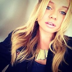 """@AlliSimpson Flawless On Her Way To The """"12 Dogs Of Christmas II"""" Premiere! VIA @alexisjoyvipacc on TWITTER// alexisjoyvipaccess on FB// www.alexisjoyvipaccess.com"""