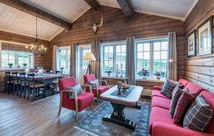 Cabin Interiors, Wood Interiors, Chalet Interior, Interior Design Living Room, Tiny House Trailer, Log Cabin Homes, House Ideas, House Design, Decoration