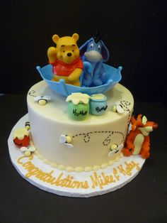 Winnie The Pooh Baby Shower Cake - Baby Shower Gifts Online Torta Baby Shower, Baby Shower Cakes For Boys, Boy Shower, Baby Cakes, Cupcake Cakes, Winnie The Pooh Cake, Winnie The Pooh Birthday, Pretty Cakes, Cute Cakes