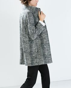 Image 3 of HOUNDSTOOTH WOOL COAT from Zara