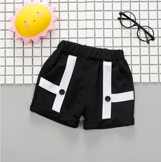 Black & White Geometric Button Shorts from kidspetite.com! Adorable & affordable baby, toddler & kids clothing. Shop from one of the best providers of children apparel at Kids Petite. FREE Worldwide Shipping to over 230+ countries ✈️ www.kidspetite.com #toddler #girl #clothing #shorts Hot Dads, Toddler Girl Shorts, Dog Best Friend, Daddys Little, Girl Clothing, Happy Campers, Suspenders, Army Green, Countries