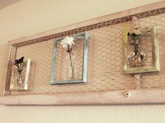 """30 Ways to Repurpose Old Picture Frames You'll Wish You'd Seen Sooner! >…""""> 30 Ways to Repurpose Old Picture Frames You'll Wish You'd Seen Sooner! > > 30 Ways Chicken Wire Crafts, Chicken Wire Frame, Diy Wall Art, Diy Wall Decor, Diy Home Decor, Wall Décor, Diy Decoration, Diy Wand, Small Picture Frames"""