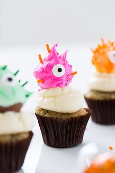 The cutest DIY truffle monster cupcake toppers you ever did see! - sugar and cloth - halloween - lindt chocolate