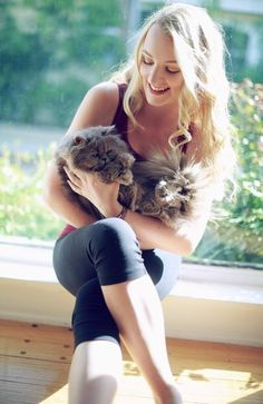 Evanna Lynch with this little fur ball <3