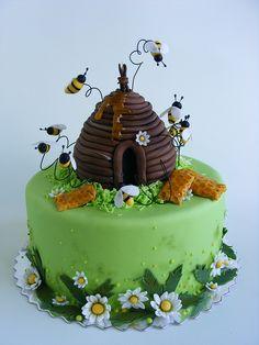 Honey bee cake   Flickr - Photo Sharing!