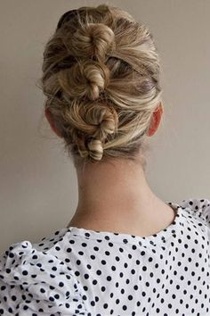 To get this look, simply separate the hair into sections and knot one on top of the other down the head. Photo: Pinned by Jen Burns via Beautiful Hairstyle