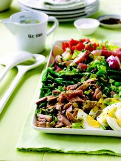 Salade #Nicoise with #Lemon-Olive #Vinaigrette - This is a composed #salad, so instead of mixing it all together, arrange it on a long platter. It's a thoughtful presentation which will make this abundant and rich looking #salad inviting for dinner guests.