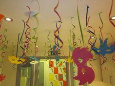 Produza seu próprio baile de carnaval arrasando na decoração
