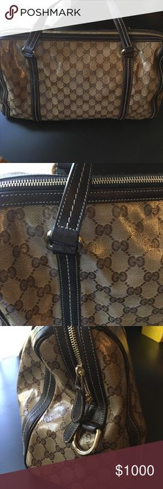 Gently used authentic Gucci purse Gently used authentic Gucci purse - no dust bag. Gucci Bags Shoulder Bags