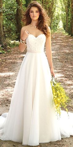 In need for extra simple elegant wedding dress advice, check out the link this instant on 20190207 Wedding Dress Cinderella, Lace Wedding Dress, Wedding Dress Trends, Princess Wedding Dresses, White Wedding Dresses, Wedding Ideas, Ivory Wedding, Mermaid Wedding, Wedding Pictures