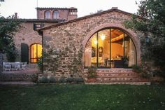 Tuscan style – Mediterranean Home Decor Luxury Mediterranean Homes, Small Villa, Stone Masonry, Fancy Houses, Spanish House, Tuscan Style, Stone Houses, Small House Plans, Architecture