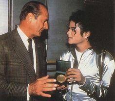 MJ and mayor of Paris Jacques Chirac who presents Michael with La Grande Médaille de la Ville de Paris. June 27 1988