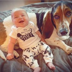 Baby Items For Dog Lovers (@monofaces) • Instagram photos and videos Baby Leggings, Basset Hound, Baby Prints, Unisex Baby, Baby Items, Dog Lovers, Organic Cotton, Collections, Babies