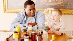 Sandra Bullock and Tim McGraw star as Leigh Anne & Sean Tuohy, adoptive parents to Michael Oher (Quinton Aaron) in the true story-based sports drama film The Blind Side 26664 The Blind Side 2009, Michael Oher, Inspirational Movies, Adoptive Parents, Tim Mcgraw, Drama Film, Sandra Bullock, Pictures Images, Pretty Good