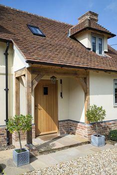 ideas for front door porch extension border oak Bungalow Exterior, Cottage Exterior, Exterior House Colors, Front Door Porch, Front Porch Design, Front Door Canopy, Oak Front Door, Side Door, House With Porch