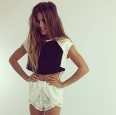 White lace shorts, Black and white crop top Passion For Fashion, Love Fashion, Fashion Show, Fashion Outfits, Fashion Killa, Fashion 101, Fashion Styles, Womens Fashion, Looks Style