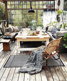 15 Inspiring Bohemian Porch With Colored Textiles | Home Design And Interior
