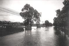 Enchente no Rio Tamanduateí na altura da Várzea do Carmo - Parque Dom Pedro