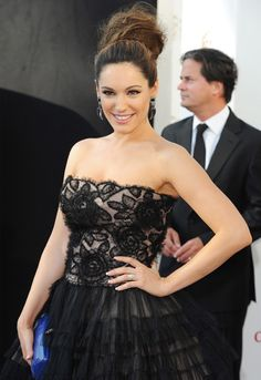 Kelly Brook's hair looked super thick and fabulous at the BAFTA's :) ♥