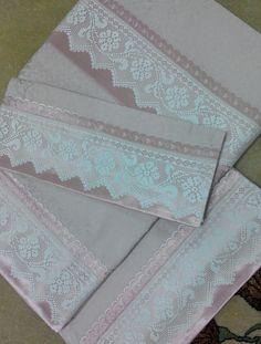 Uñas Diy, Diy And Crafts, Embroidery, Create, Pillowcases, Flower Arrangements, Craft, Crochet Edgings, Pillow Shams