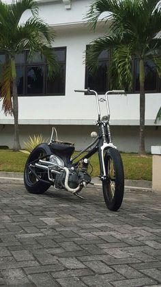 But neat. Honda Cub, C90 Honda, Honda Ruckus, Scooter Custom, Custom Bikes, Moto Bike, Motorcycle Bike, Motorcycle Design, Bike Design