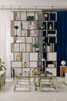 Made-to-measure wall storage in sand particle board - designer and custom-made. Home Living Room, Living Room Designs, Living Room Decor, Bedroom Decor, Furniture Projects, Furniture Plans, Garden Furniture, Small Furniture, Outdoor Furniture