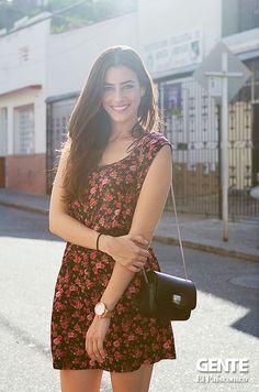 Laura Medina una 'egoblogger', publican fotos de sí misma con las pintas que quiere compartir y recomendar a sus lectores. http://elpais.com.co/gente