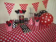 Check out our disney party selection for the very best in unique or custom, handmade pieces from our party décor shops. Minnie Birthday, Birthday Stuff, 2nd Birthday, Minnie Mouse Baby Shower, Plastic Table Covers, Mickey Party, Gift Table, Party Themes, Party Ideas