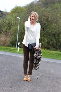 A fashion blog for women over 40 and mature women  Sweater: Massimo Dutti Pants + Shoes: Zara Bag: Chloe Faye