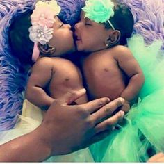 beautiful black baby girl kissing her twin sister Beautiful Black Babies, Beautiful Children, Beautiful People, Twin Girls, Twin Babies, Baby Girls, Future Daughter, Future Baby, Daughters