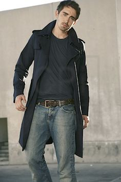 Lee Pace. Hey! Another pic with this outfit. It really suits him!